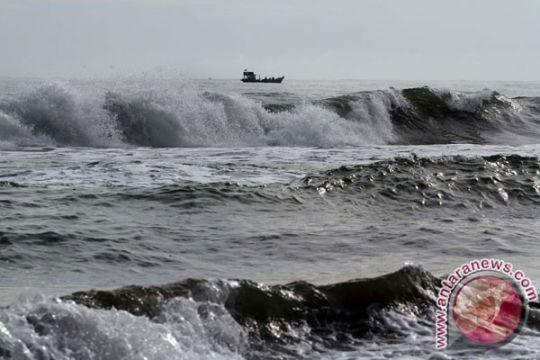 85 bangunan di Sukabumi rusak diterjang gelombang pasang