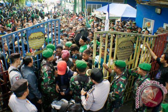 Pemulangan bonek dari Bandung berlangsung aman