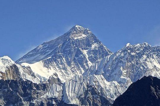 Empat pendaki ditemukan tewas dalam tenda di Gunung Everest