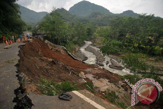 Longsor juga timbun dua pendulang intan di Kalimantan Selatan