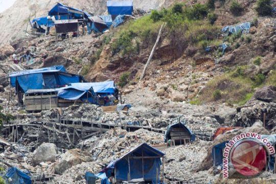 Dua penambang tewas tertimpa longsor di Gunung Botak