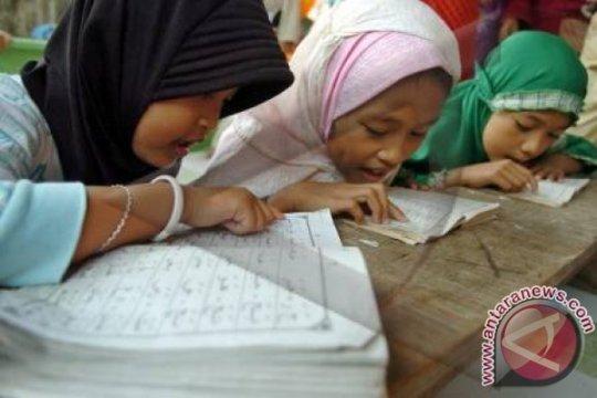 Al Quran atau medsos selama Ramadhan
