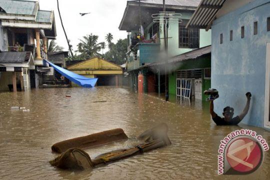 Ratusan rumah warga Manado terendam banjir
