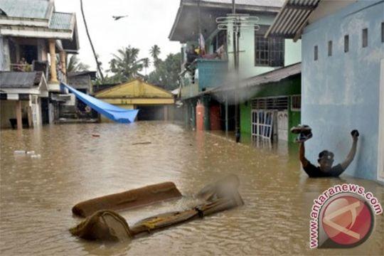 Banjir rendam ribuan rumah di Manado