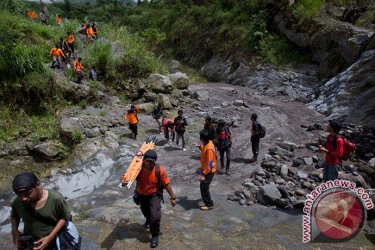 SAR selamatkan seorang korban kritis di Gunung Perkison