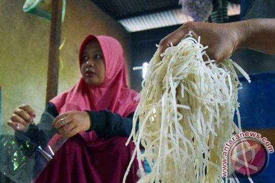 Mi sagu diperkenalkan pada festival makanan di Pontianak-Kalbar