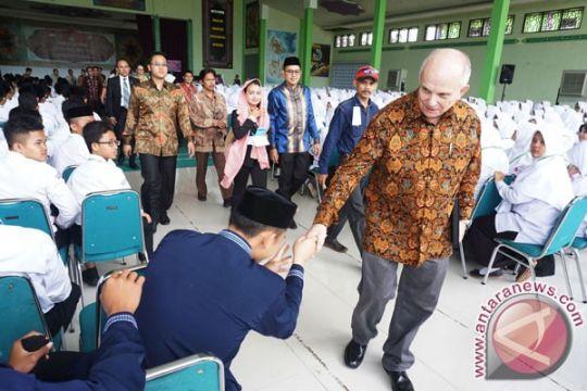 Dubes Donovan: mahasiswa Indonesia jangan takut belajar di AS