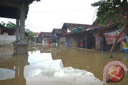 Ratusan rumah di Karawang terendam banjir