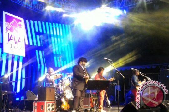 G-Pluck hipnotis masyarakat di Brusel dengan lagu Beatles