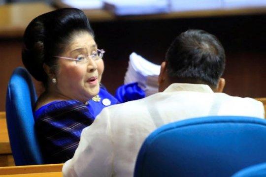 Pengadilan Filipina perintahkan penangkapan mantan ibu negara terkait korupsi