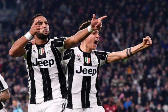 Hasil pertandingan dan klasemen Seri A, Juventus di puncak