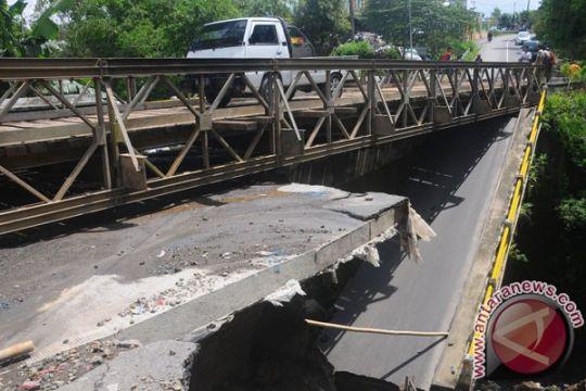 Jembatan rusak picu kemacetan Pontianak-Singkawang