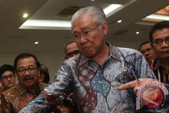 Menteri Perdagangan bagikan tanaman cabai di Jember