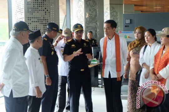 Presiden resmikan Pos Lintas Batas Negara Aruk