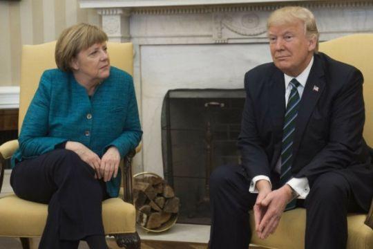Trump desak Merkel penuhi target pembelanjaan NATO