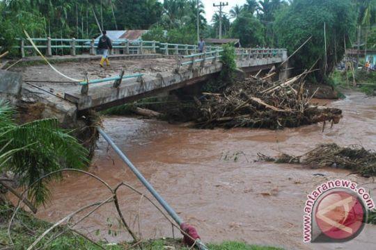 Seorang pekerja proyek hanyut terbawa banjir Magetan