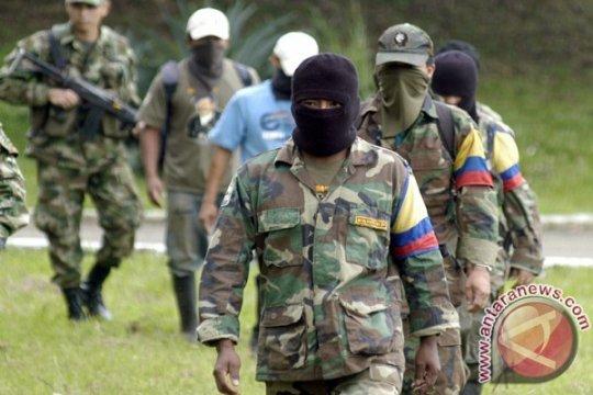 Pemimpin pemberontak Kolombia diperintahkan ditangkap