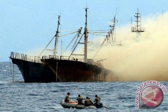 Regulasi pembatasan tangkap ikan perlu ditinjau ulang