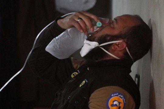 72 tewas dalam serangan yang diduga gunakan senjata kimia di Suriah