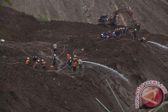 Pemkab Ponorogo hentikan pencarian 24 korban longsor