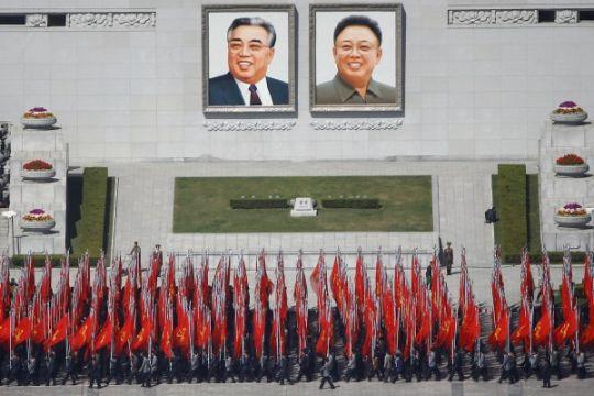 Korea Utara pamerkan rudal balistik di parade militer