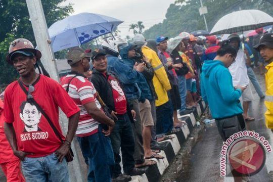 Ratusan karyawan Freeport gelar demo di Timika