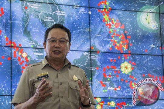 Kepala BNPB dievakuasi dari lantai 10 gunakan tali