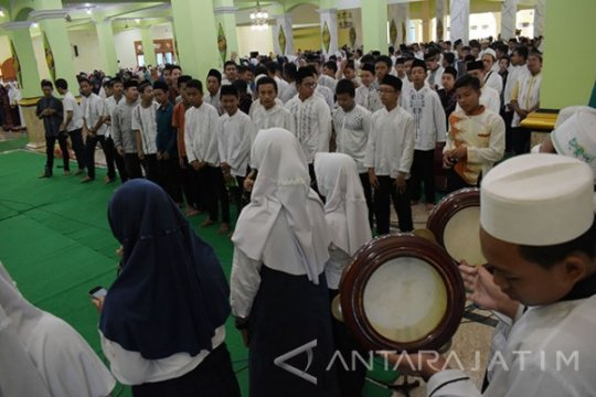 Sarana tak memadai, empat SMP di Madiun-Jatim gelar UNBK gabungan