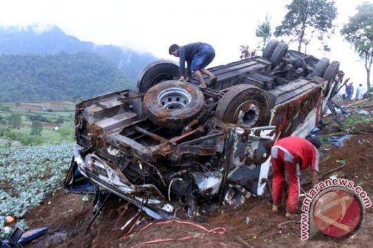 Korban tewas akibat kecelakaan di jalur Puncak-Cianjur jadi 13 orang