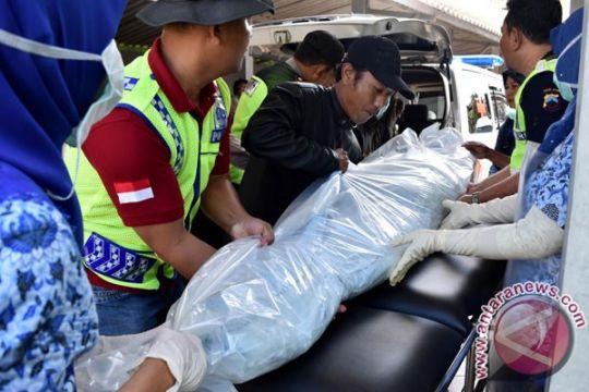 Suami-istri korban banjir di Kupang ditemukan meninggal