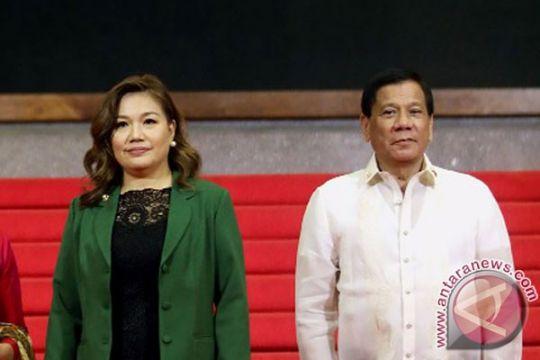 Presiden Filipina Duterte kembali libatkan polisi dalam perang narkotika