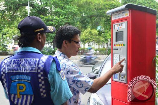 Pemkot Surabaya perluas layanan parkir meter
