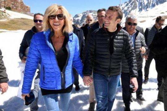 Kisah mantan guru presiden Prancis yang kini jadi ibu negara
