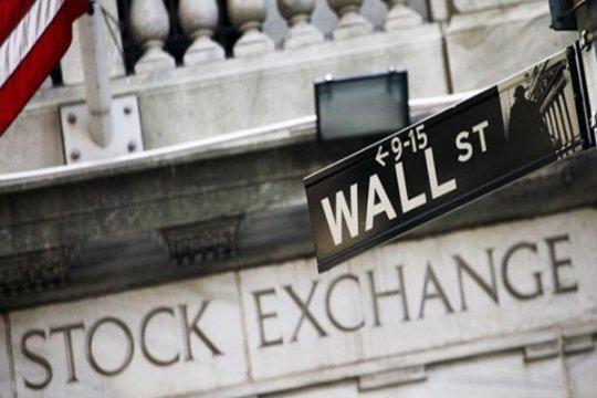Wall Street tumbang, Dow anjlok 900 poin lebih saat pandemi melonjak