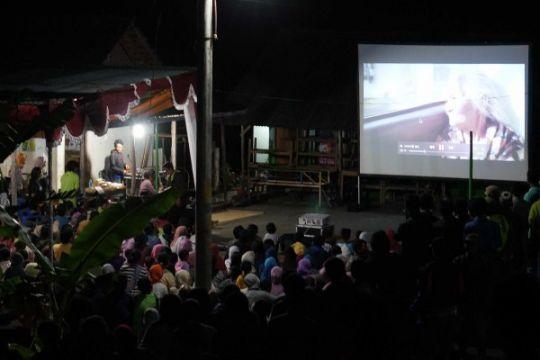 """""""Ziarah"""" tayang perdana via layar tancap di Gunung Kidul"""