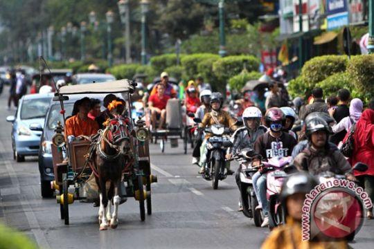 Wisatawan masuk Yogyakarta diimbau naik angkutan umum