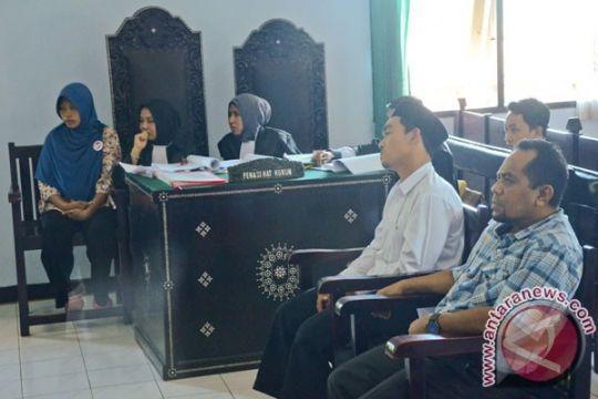 Baiq Nuril dibebaskan dari seluruh dakwaan