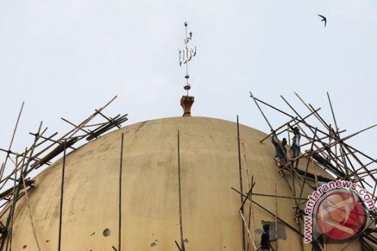 Mahasiswa Universitas Tidar bersihkan masjid jelang Ramadhan