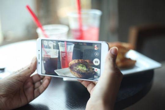 Tips bikin foto makanan jadi menggiurkan di Instagram