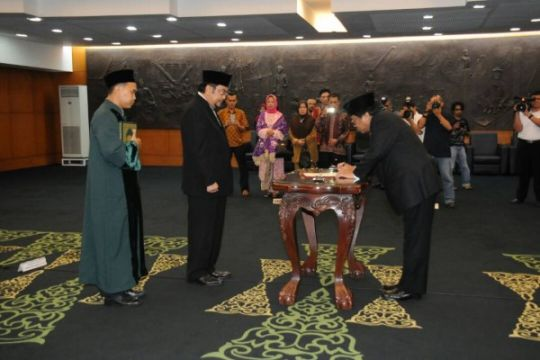Wakil Ketua MPR lantik pengganti Irman Gusman