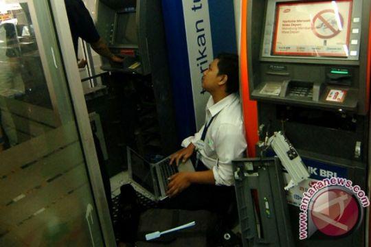 Dua ATM di Semarang dibobol, Rp1,4 miliar raib