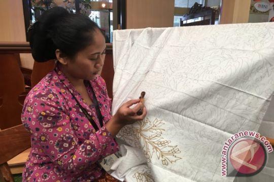 Perajin batik di Madiun kembangkan motif tanaman porang menjadi ikon