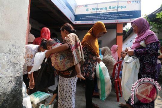 Pemerintah Kota Bandarlampung bagikan 20.000 karung beras