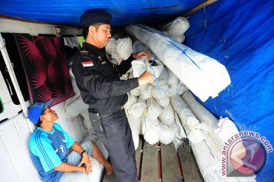 Bea Cukai Kalbar gagalkan penyelundupan 120 ton rotan