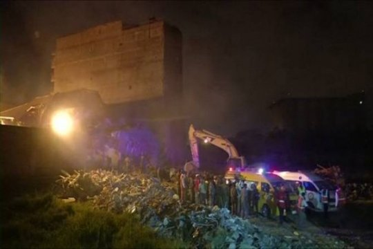 Dua anak-anak selamat dalam runtuhan bangunan di Kenya