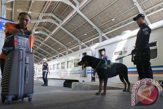 KAI Daop Jakarta tambah empat rangkaian kereta