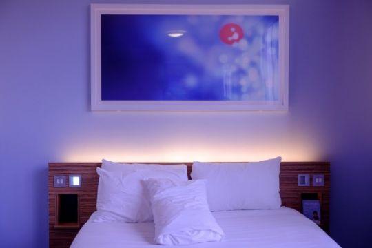 "Tips ""staycation"" di hotel saat liburan"