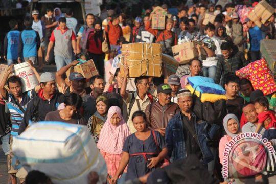 18.000-an penumpang mudik Natal lewat Tanjung Perak