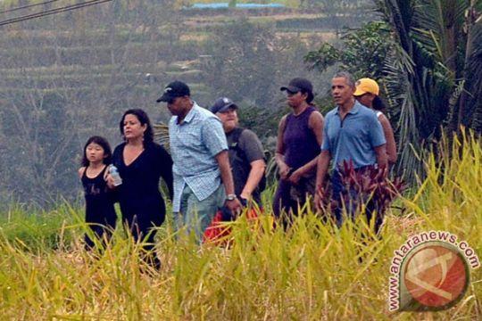 Barak Obama dan keluarga kunjungi objek wisata Tirta Empul