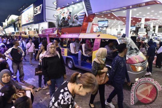 Jakarta hari ini, pameran perhiasan hingga street market